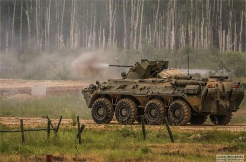 Về hỏa lực, BTR-82A vượt trội BTR-60PB và thậm chí cả BTR-80 với hệ thống pháo 30mm có khả năng bắn thủng giáp xe thiết giáp hạng nhẹ. Trong khi đó, BTR-60PB của Việt Nam hiện chỉ có tháp pháo BPPU lắp súng máy 14,5mm. Nguồn ảnh: Andrey Kryuchenko