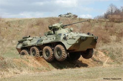BTR-82A trang bị động cơ diesel tuabin tăng áp KamAZ 740.14-300 công suất 300hp cho tốc độ tối đa 100km/h. Nguồn ảnh: Military-Today