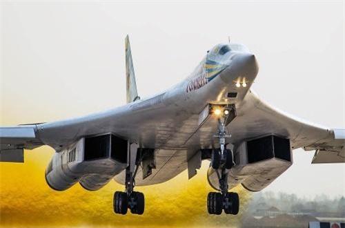 Bán kính chiến đấu 7.300km nếu bay tốc độ cận âm và lên tới 2.000km nếu duy trì tốc độ siêu âm Mach 1,5 liên tục. Nguồn ảnh: Airliners.net