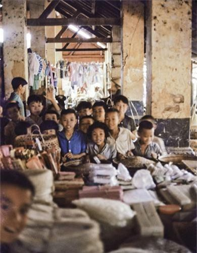 Anh thu vi ve thi tran Dat Do, Ba Ria - Vung Tau nam 1965-Hinh-13