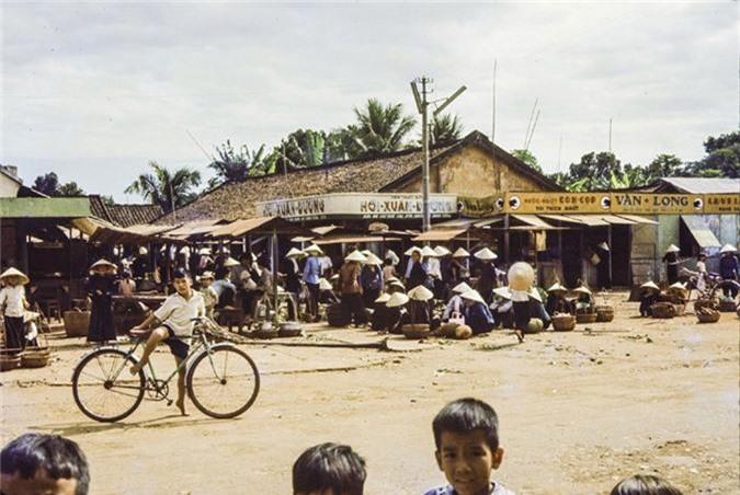Anh thu vi ve thi tran Dat Do, Ba Ria - Vung Tau nam 1965-Hinh-2