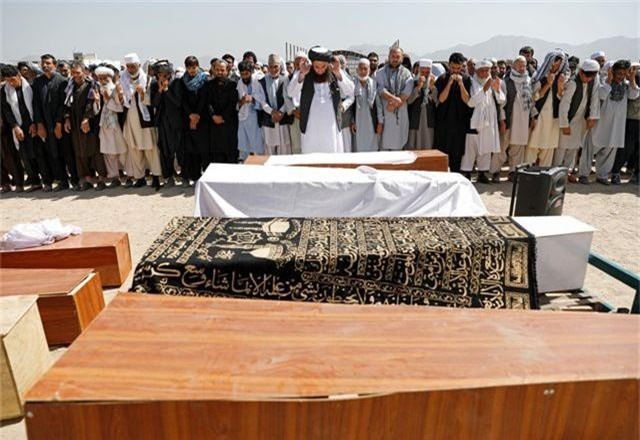 Đánh bom kinh hoàng giữa đám cưới gồm 1.200 khách, 63 người thiệt mạng - 10