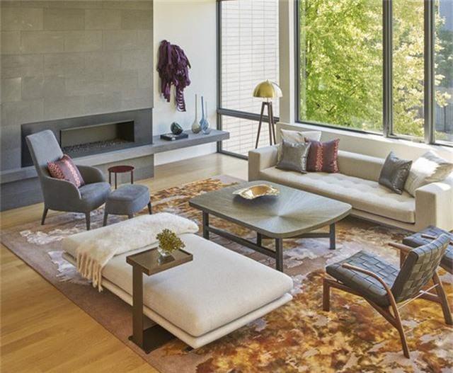 Bàn trà và ghế ngồi là những món đồ nội thất cơ bản và không thể nào thiếu được trong phòng khách của mỗi gia đình.