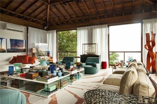 Hãy áp dụng triệt để những gợi ý mà bạn có được cùng với khiếu thẩm mỹ riêng của cá nhân, việc sở hữu một không gian phòng khách hoàn hảo là hoàn toàn có thể trong khả năng của bạn.