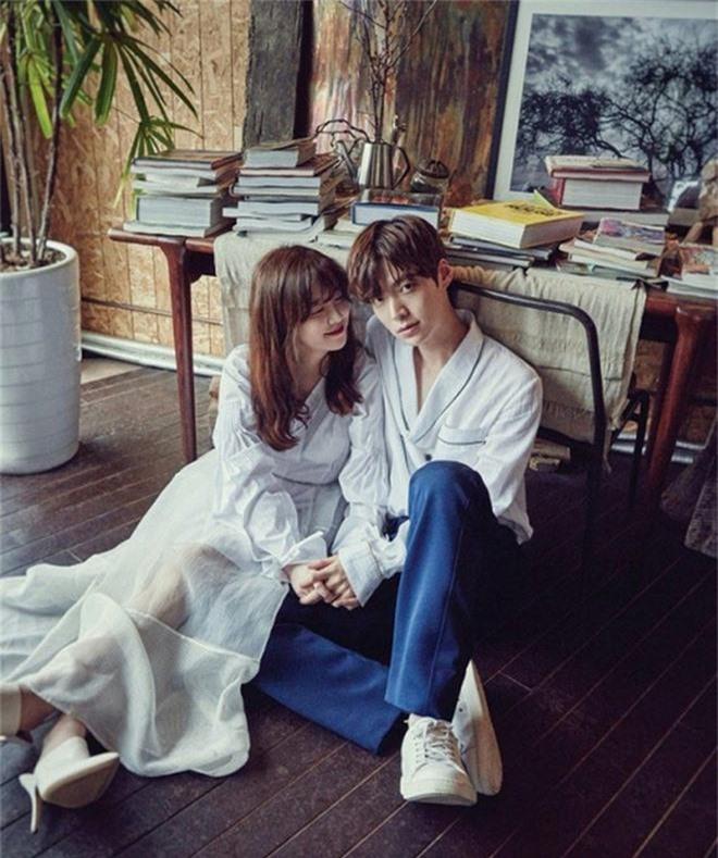Netizen choáng váng vì tin Goo Hye Sun và Ahn Jae Hyun ly hôn: Có lẽ anh ta muốn có con, Goo Hye Sun lại không thể cho - Ảnh 6.