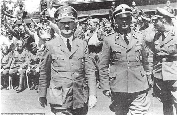 Nong: Vi sao Hitler cao sach bo ria mep huyen thoai?-Hinh-7