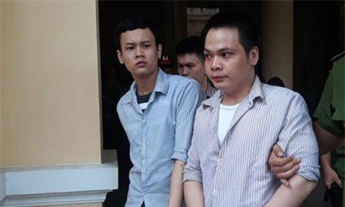 Các bị cáo khi bị dẫn giải về trại.