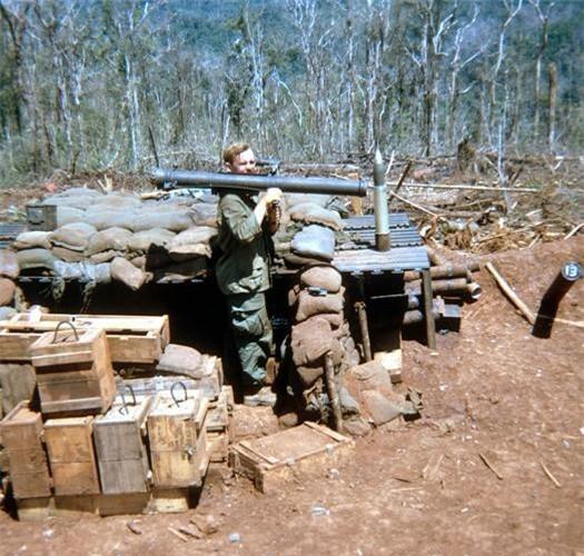 Súng không giật M67 là mẫu súng có khả năng chống tăng không giật 90mm (3.55 inch) được sản xuất ban đầu ở Mỹ và sau này là ở Hàn Quốc trong Chiến tranh Triều Tiên. Nguồn ảnh: Pinterest.