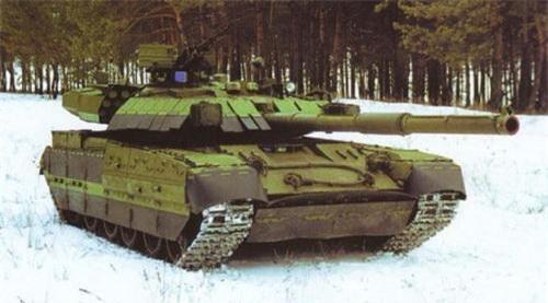 Giáp phản ứng nổ Nozh lắp trên xe tăng T-84 Oplot. Ảnh: Military Today.