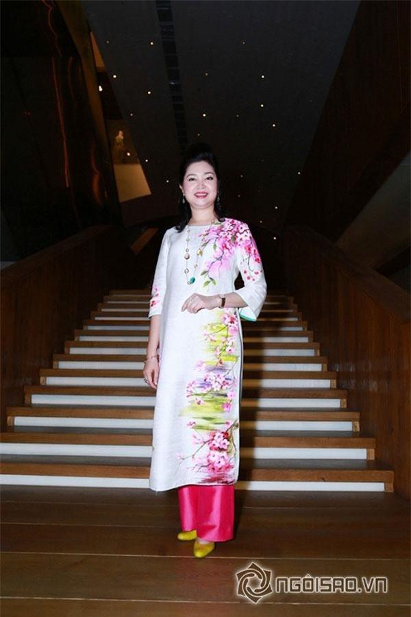 Nhà sáng lập thương hiệu thời trang Peony luôn chọn trang phục Áo dài khi xuất hiện tại các sự kiện quan trọng. Ảnh: ngoisao.vn