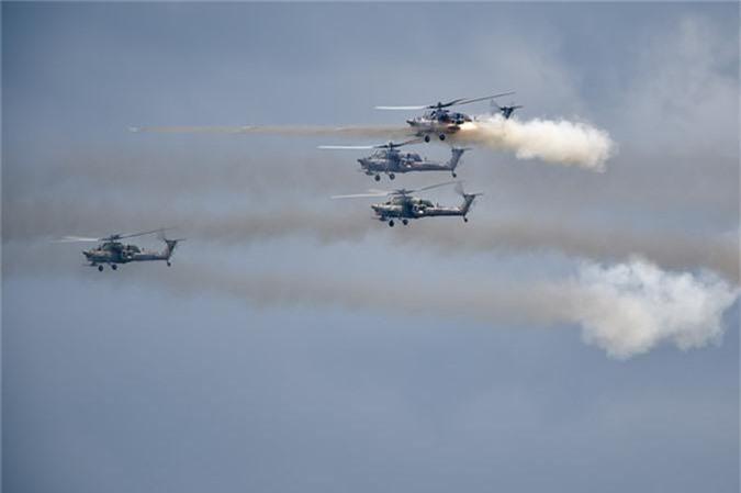 May bay nem bom, ban rocket cuc suong mat o cuoc thi phi cong quan su-Hinh-12