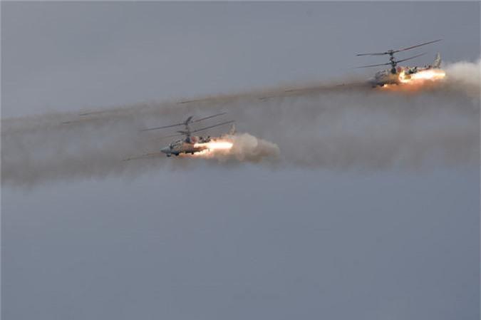 May bay nem bom, ban rocket cuc suong mat o cuoc thi phi cong quan su-Hinh-14