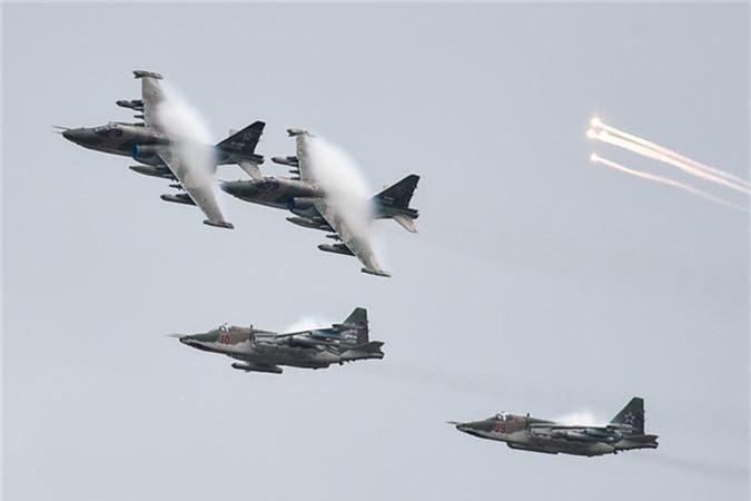 May bay nem bom, ban rocket cuc suong mat o cuoc thi phi cong quan su-Hinh-2