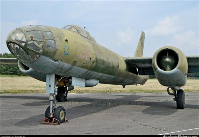Di tim may bay nem bom dau tien cua Khong quan Viet Nam-Hinh-11