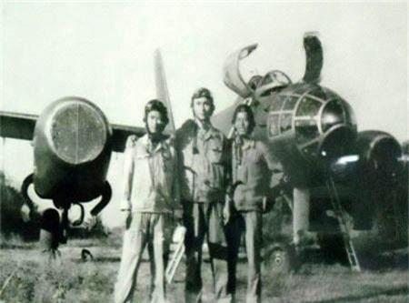 Di tim may bay nem bom dau tien cua Khong quan Viet Nam-Hinh-2