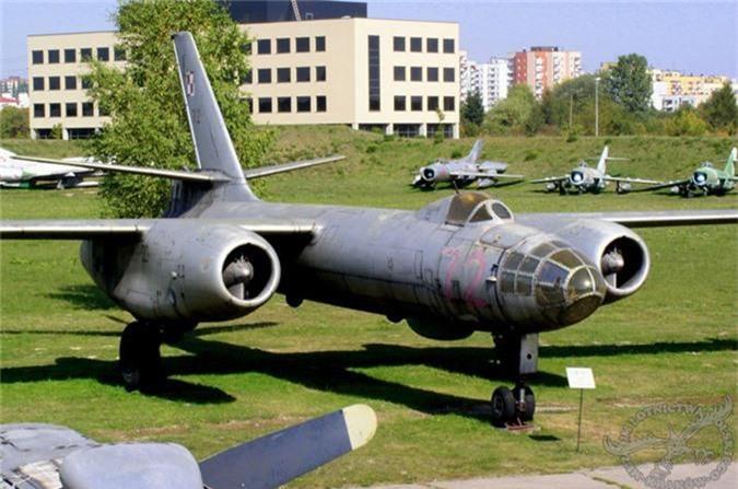Di tim may bay nem bom dau tien cua Khong quan Viet Nam-Hinh-4