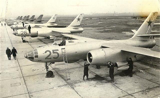 Di tim may bay nem bom dau tien cua Khong quan Viet Nam-Hinh-5