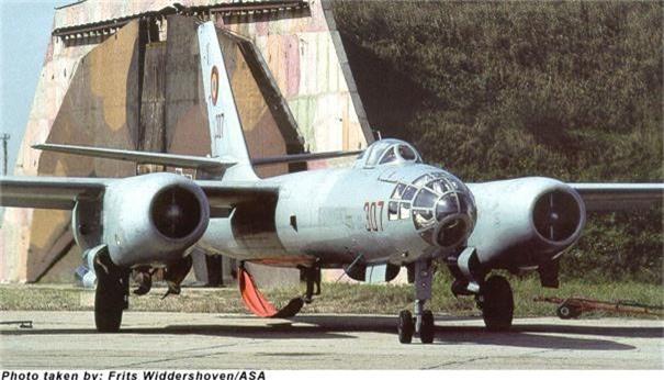 Di tim may bay nem bom dau tien cua Khong quan Viet Nam-Hinh-7
