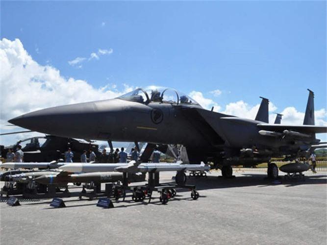 Mo xe tiem kich F-15SG xin nhat Dong Nam A cua Singpore-Hinh-2