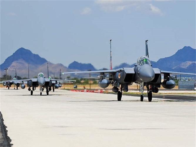 Mo xe tiem kich F-15SG xin nhat Dong Nam A cua Singpore-Hinh-5