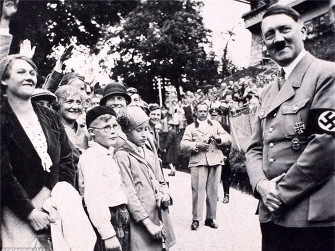 Vi sao trum phat xit Hitler ghet cay ghet dang loai ngua?-Hinh-2