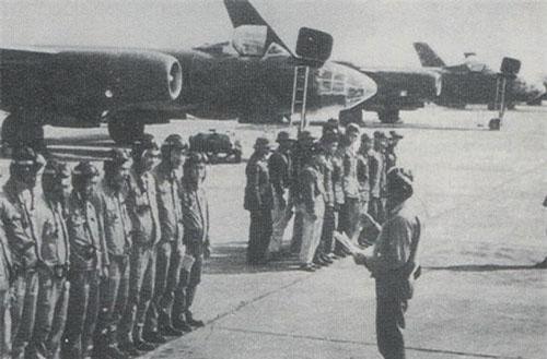 Trong lịch sử, Không quân Nhân dân Việt Nam được ghi nhận là đã từng sở hữu máy bay ném bom Ilyushin Il-28. Tính tới thời điểm hiện tại, đây là loại máy bay ném bom duy nhất từng phục vụ trong Không quân Nhân dân Việt Nam. Nguồn ảnh: TL.