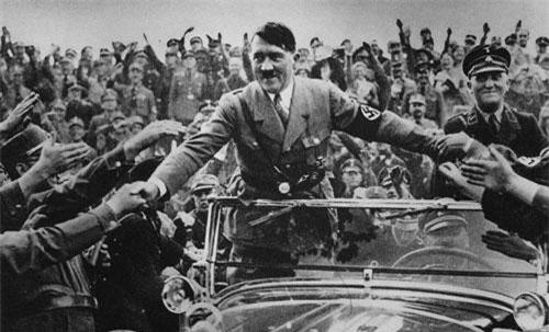 Vào ngày 30/1/1933, trùm phát xít Hitler trở thành Thủ tướng Đức. Đây là một trong những sự kiện quan trọng trong sự nghiệp chính trị của nhà độc tài này.
