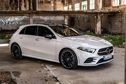 6. Mercedes-Benz A-Class (doanh số: 30.932 chiếc).