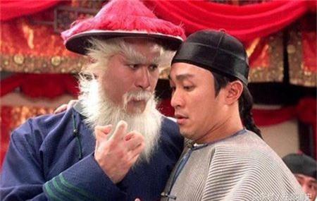 Ngôi sao - Lộc đỉnh ký: Vì sao Khang Hy chỉ bắt giam mà không giết Ngao Bái (Hình 3).