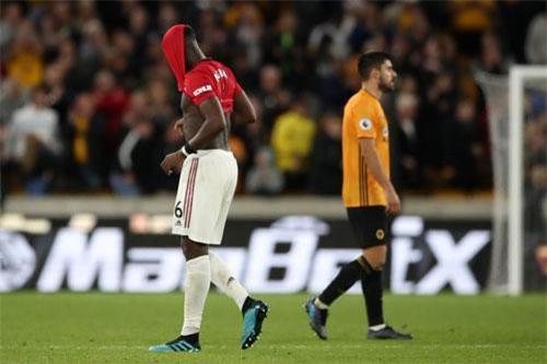 Pogba gây thất vọng khi thi đấu nhạt nhòa và đá hỏng phạt đền.