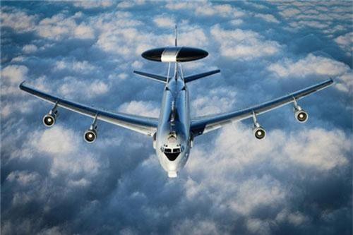 """Hiện tại, các máy bay cảnh bao sớm loại E-3A Sentry đang là """"tiêu chuẩn"""" không chỉ của NATO mà còn của rất nhiều quốc gia đồng minh với Mỹ để đáp ứng được yêu cầu chia sẻ thông tin tình báo khi hiệp đồng tác chiến đa quốc gia. Nguồn ảnh: BI."""