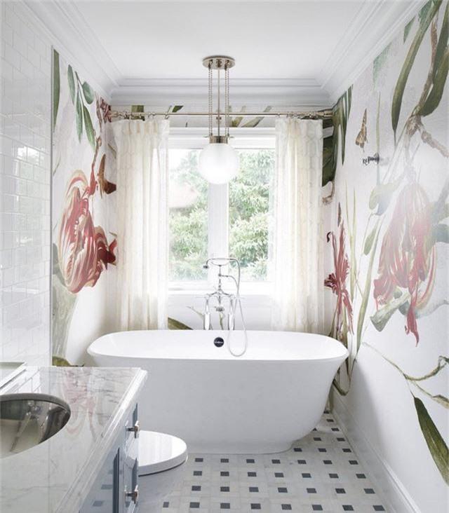 Một thiết kế đèn trang trí hình cầu đặc biệt thích hợp để kết hợp bên trong căn phòng tắm nhỏ của gia đình.