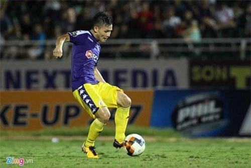 Quang Hải ghi 2 bàn vào lưới Atltyn Asyr. Ảnh: Zing.