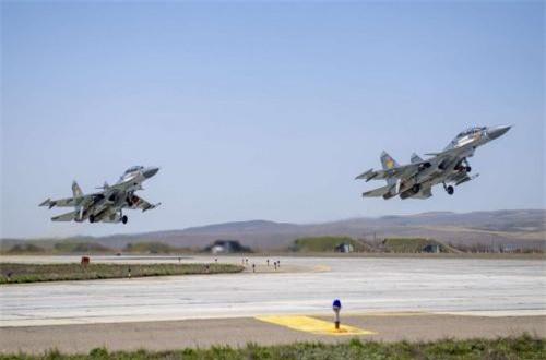 Kazakhstan hiện là quốc gia thứ 2 ngoài Nga sử dụng tiêm kích Su-30SM. Họ đặt mua 24 chiếc theo ba hợp đồng và hiện nhận được 12/24 chiếc. Ảnh: Informburo
