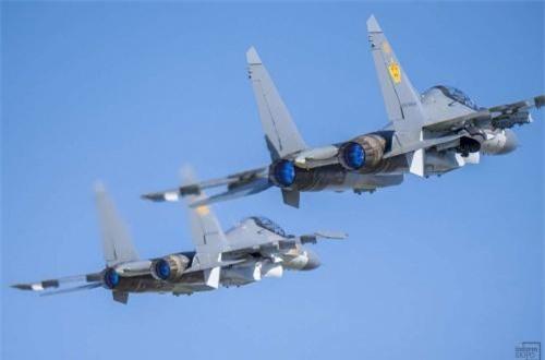Vì Su-30SM là thế hệ máy bay mới và hiện đại hơn hẳn so với các dòng máy bay huấn luyện hiện có của Kazakhstan  (Aero L-39), thế nên nước này đầu tư hàng chục triệu USD mua kèm thêm hệ thống huấn luyện mô phỏng. Ảnh: Informburo