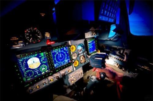 Từ bức ảnh này có thể thấy rõ là hệ thống điều khiển của Su-30SM không thua kém gì máy bay tiêm kích thế hệ 4-5 của phương Tây. Ảnh: Informburo