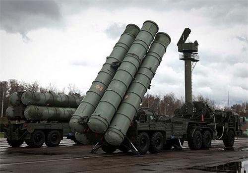 S-400 chưa thể hiện được gì trên chiến trường Syria cho tới lúc này. Ảnh: Defence Blog.