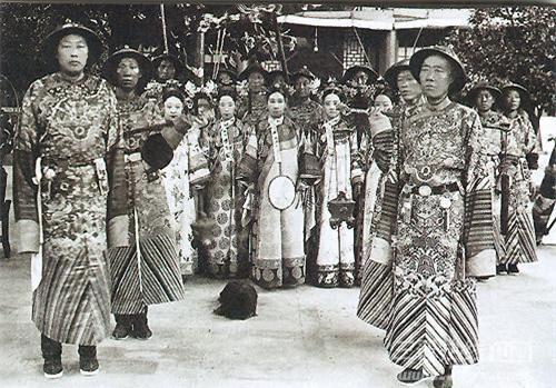 Lịch sử cũng đã ghi nhận nhữngthói quen, thú ăn chơi xa xỉ của vị Thái hậu này.(Ảnh: Nguồn Baidu).