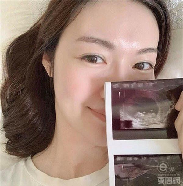 """4 năm sinh 3 đứa, cựu Hoa hậu từng bị Triệu Vy giật bồ thừa nhận """"vỡ kế hoạch"""" - 1"""