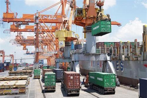 Tính chung 7 tháng, cán cân thương mại của doanh nghiệp FDI đạt mức thặng dư trị giá 16,9 tỷ USD.