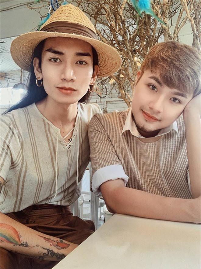 BB Trần cùng người yêu diện đồ đôi, hạnh phúc đón tuổi mới bên cạnh đại gia đình - Ảnh 5.