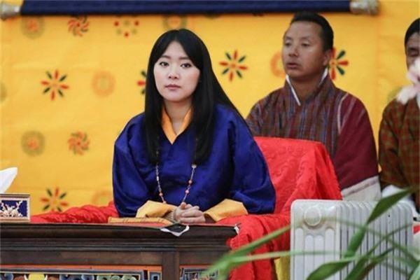 Chân dung thần tiên tỷ tỷ của Hoàng gia Bhutan, nàng công chúa tài sắc vẹn toàn, làm điên đảo cộng đồng mạng trong suốt thời gian qua-2