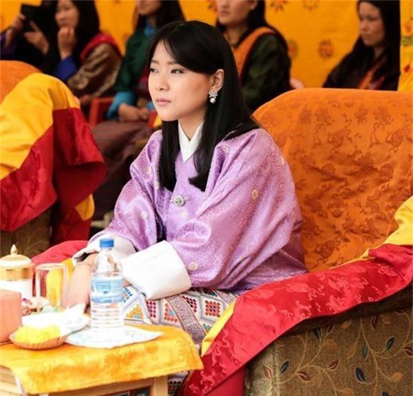 Chân dung thần tiên tỷ tỷ của Hoàng gia Bhutan, nàng công chúa tài sắc vẹn toàn, làm điên đảo cộng đồng mạng trong suốt thời gian qua-4