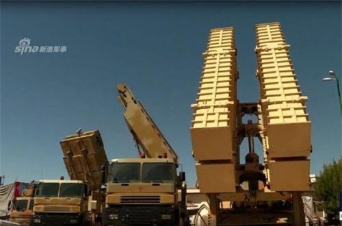Theo Press TV, trong khuôn khổ Ngày hội công nghiệp quốc phòng đang diễn ra, Iran lần đầu tiên công bố hệ thống tên lửa phòng không nội địa Bavar 373 do nước này tự tay phát triển từ A-Z. Ảnh: Press TV