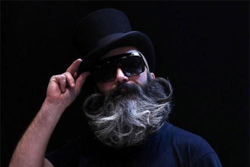 Ông Michael Wallage thắng cuộc nội dung râu toàn phần. Ảnh: Reuters