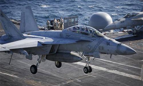 Máy bay chiến đấu F/A-18 E/F Super Hornets. Ảnh: Hải quân Mỹ.