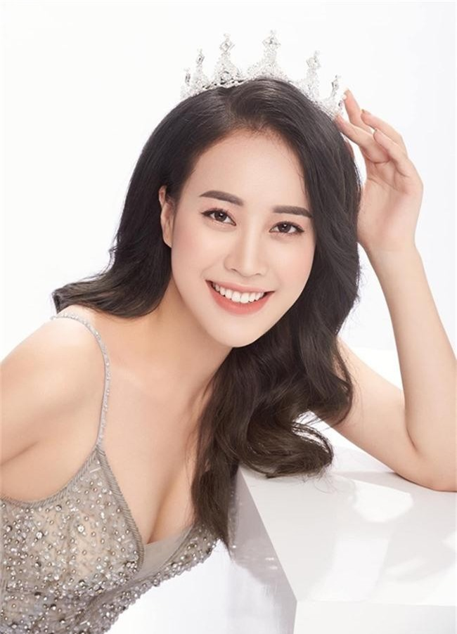 4 nữ MC xinh đẹp kênh VTV6 đời thường nóng bỏng khác xa trên sóng quốc gia