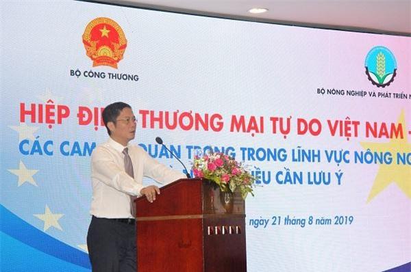 Bộ trưởng Trần Tuấn Anh phát biểu tại hội nghị (Ảnh: HT)