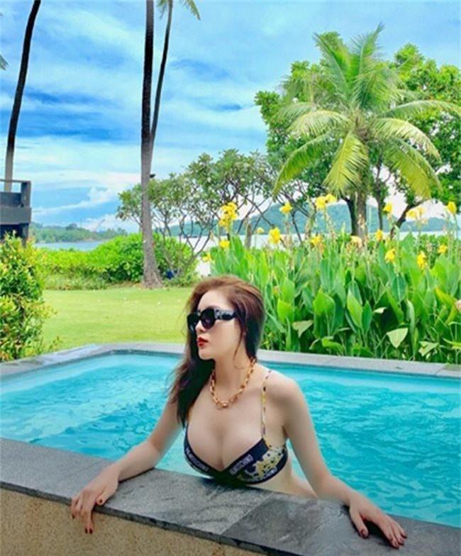 Đọ body nóng bỏng của dàn Hoa hậu xuất thân từ Đại học Ngoại Thương
