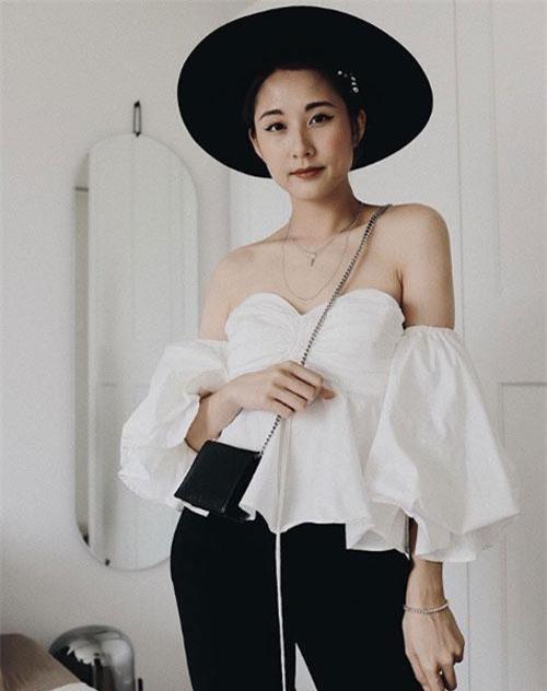 Julia Đoàn có tên đầy đủ là Julia Linh Đoàn.